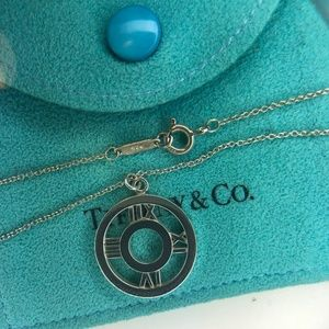 "Pierced Atlas Round Circle Pendant Necklace 16"""